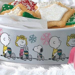 Tupperware Peanuts 2019 Holiday Christmas Cookie